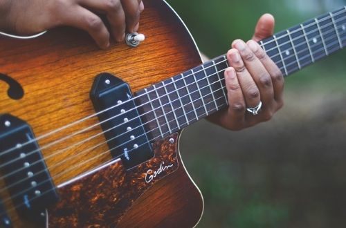 Best High End Acoustic Guitars Reviewed In 2019 - Music Groupies
