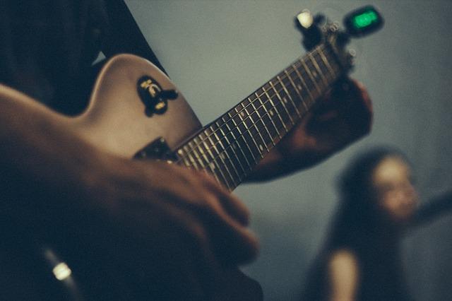electric-guitar-1846582_640