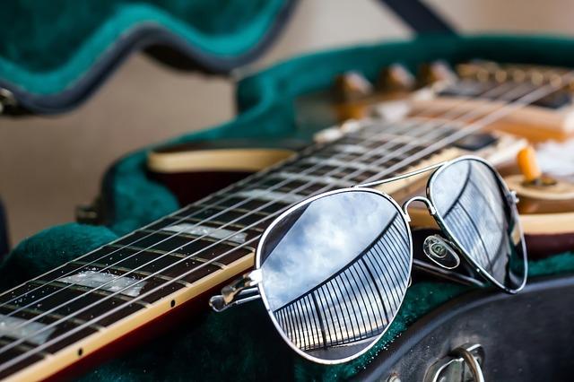 guitar-920056_640